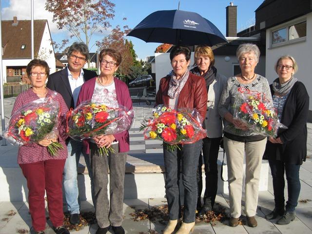 v.l.n.r.: Anita Vogl, Bürgermeister Andreas Schulz, Brigitte Friedrich, Elisabeth Wenz, Karin Lippert, Heidelinde Vogel und Heike Schick