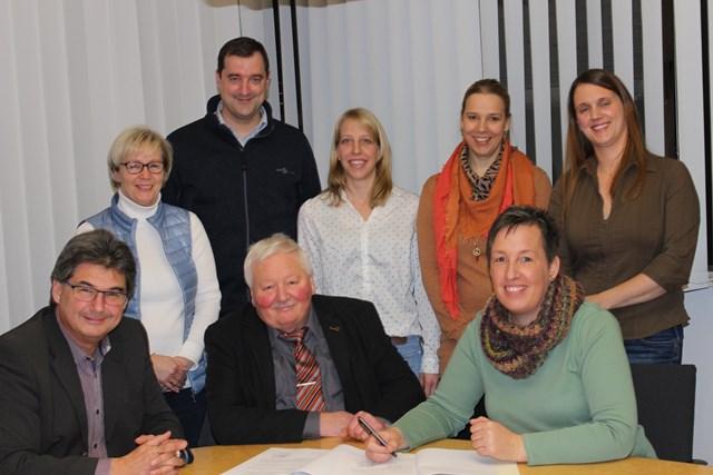 Die Gemeinde und die Waldbienen schlossen einen Vertrag_IMG_6475_WEB